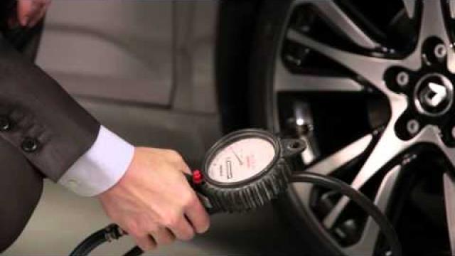 Sledování tlaku v pneumatikách